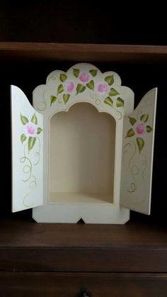 Peça em MDF. Altar, Faith Crafts, 3d Cards, Virgin Mary, Catholic, Decoupage, Arts And Crafts, Frame, Country