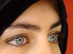 Olhos azuis claros, ojos azul claro, light blue eyes