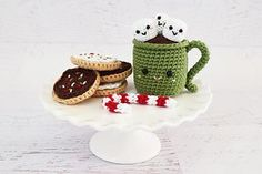 This pattern includes written instructions (and some photos) to make a festive cup of hot chocolate with marshmallows! Also included are instructions to make sugar cookies and a candy cane. Perfect for the holiday season! Hope you enjoy!
