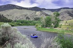 Now is the perfect time to #flyfish the #BigHoleRiver in #Montana. Just epic! #southwestmt #flyfishing #grayling #t