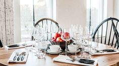 Smakbyn Table Settings, Restaurant, How To Plan, Finland, Spaces, Summer, Pictures, Summer Time, Diner Restaurant