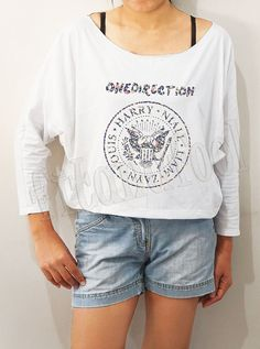 More Issues Than Vogue Shirts Text Shirts Bat Sleeve Shirt Crop Tee Shirts Long Sleeve Shirts Oversized Sweatshirt Women from fitandfool on Etsy. One Direction Shirts, One Direction Fashion, One Direction Outfits, 5sos, Harry Styles Shirt, Supreme Shirt, Rock Shirts, Long Sleeve Tee Shirts, Bat Sleeve