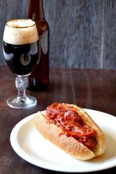 S vášní pro jídlo: Buřty na černém pivě Hot Dog Buns, Hot Dogs, Bread, Dishes, Ethnic Recipes, Food, Party, Meal, Brot