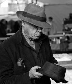 Old fashion grey felt fedora hat for men