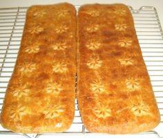 Rahkavoitaina  250 g margariinia tai voita  250 g vehnäjauhoja ( itse laitan ihan pikkusen enemmän niin leivonnaisten muoto säilyy paremmin)  1 tl leivinjauhetta  250 g maitorahkaa