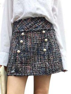 Vintage Stylish Faux Pearl Frayed Trims Tweed Mini Skirt Women 2018 Fashion Side Zipper A Line Ladies Skirts Casual Faldas Mujer. Tweed Mini Skirt, Tweed Dress, Moda Streetwear, Streetwear Fashion, Skirt Fashion, Fashion Outfits, Style Fashion, European Fashion, European Style