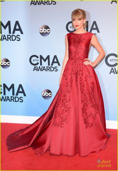 Taylor Swift + gown