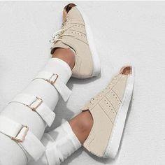 the best attitude ce8e0 f66b3  luxlinx Your Shoes, Shoe Game, Dope Fashion, Fashion Shoes, Fashion