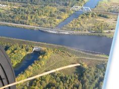 Река и речной канал над рекой! Канал им. Москвы (Москва-Волга) над рекой Сестрой. Деревня Карманово.