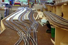 N Scale Model Trains, Model Train Layouts, Scale Models, Ferrari 348, Chevrolet Corvette, Lionel Trains Layout, European Models, Train Table, Ho Trains
