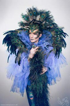 #TElombre - telombre.com actor, performer, singer, model, long hair, french, alternative, androgyn, paris, photography, shooting, paon, peacock, drag, hades, dieu, deesse, shakespeares, nymphe, creature, stephane roy, karen vaissiere, tulle, plume, bleu, vert, طاووس, পাভ্যাও, Peafowl, pavo, クジャク, Pavão, Pauwen, طاووس, Riikinkukot, Սիրամարգ, טווס, Pohunn, Tsídii bitsee' naashch'ąą'í, Павлины, मयूरः, Pauwen, นกยูง, മയിൽ, 孔雀, Pou, Παγώνι