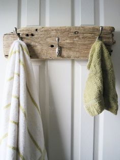 Driftwood Towel or Coat Rack Beach Bathrooms, Towel Hooks, Towel Hanger, Beach House Decor, Home Decor, Deco Design, Design Design, Beach Cottages, Barn Wood