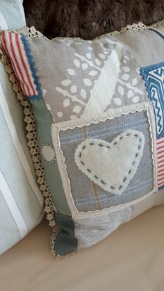 Throw Pillows, Bed, Crafts, Toss Pillows, Manualidades, Cushions, Stream Bed, Decorative Pillows, Handmade Crafts