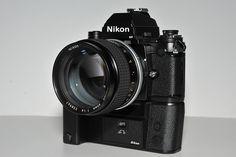 Nikon F3H with motordrive + NIKKOR 85mm f/1.4 Nikon Film Camera, Nikon 35mm, Nikon Cameras, Nikon D700, Photo Lens, Vintage Cameras, Camera Photography, Leica, Industrial Design
