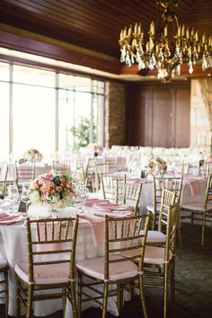 elegant wedding reception with pink and gold accents #weddingreception #elegantwedding #weddingchicks http://www.weddingchicks.com/2014/02/07/pink-and-black-wedding/