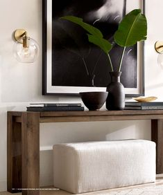 Black, white and wood tones entry table Home Interior Design, Interior Decorating, Casa Loft, Vintage Wall Sconces, Appartement Design, Hallway Designs, Elegant Homes, Entryway Decor, Foyer
