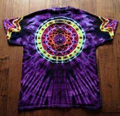 Love these colors Bleach Tie Dye, Tye Dye, Tie Dye Folding Techniques, Diy Tie Dye Shirts, Tie Dye Crafts, How To Tie Dye, Tie Dye Designs, Fabric Yarn, Tie Dye Patterns