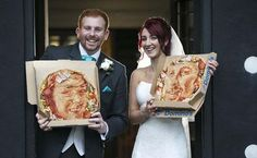 Pizza Wedding Cake Ideas for the bride and groom - Pizza Pie Cake - Pizza Themed Weddings - Your eyes may not believe the fascinating photos you are about to see, these bride and groom couples love PIZZA so much that they have replaced their Wedding Ca Pizza Wedding Cake, Wedding Cakes, Best Wedding Gifts Ever, Unicorn Foods, Valentines Day Weddings, Love Pizza, Weird Food, Cake Toppings, Here Comes The Bride