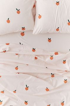 Shop on UO: Allover Peaches Sheet Set – Maison – Décoration – Home – Interior Home Bedroom, Bedroom Decor, Bedrooms, Retro Home Decor, Deco Design, My New Room, Home Interior, Interior Designing, Interior Ideas