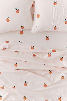 Shop on UO: Allover Peaches Sheet Set – Maison – Décoration – Home – Interior My New Room, My Room, Dorm Room, Home Bedroom, Bedroom Decor, Bedrooms, Ideas Hogar, Retro Home Decor, Deco Design