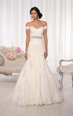 Simple Lace Wedding Dresses