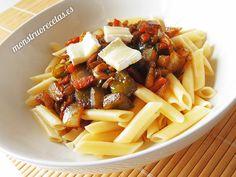 Macarrones con salsa de soja, curry, jengibre y verduras