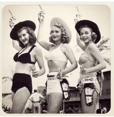 Vintage Cowgirls - Corinne Calvet, Marie Wilson and Diana Lynn 1950 Mode Vintage, Vintage Love, Vintage Beauty, Vintage Photos, Vintage Ladies, Retro Vintage, Vintage Fashion, Vintage Woman, Vintage Surf