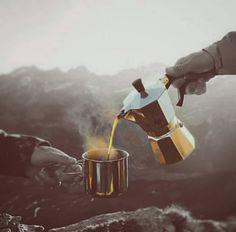 AROMA DI CAFFÈ  #Amor se escribe con #Café en: Aroma Di Caffè Cafetière Bar & Bar Espresso. .    . Lunes de nuestro café extraído en #MokaBialetti. Aroma intenso cuerpo ligeramente terroso y notas a chocolate amargo. Disfrútalo en: @aromadicaffe…