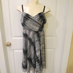 MAKE A REASONABLE OFFER ON ANYTHING IN MY STORE AND IT'S YOUR'S!!  TODAY ONLY!! The Limited Black/Grey Dress Fully Lined Size 6 Super NICE!! #TheLimited #Any