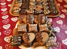 Nejlepší recepty na Vánoční cukroví   NejRecept.cz Christmas Baking, Christmas Cookies, Czech Recipes, Gingerbread Cookies, Waffles, Cheesecake, Food And Drink, Sweets, Rum