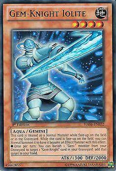 Original KONAMI Yu-Gi-Oh! Trading Card Gem-Knight Iolite (Edelstein-Ritter Iolith) Kartennummer: HA06-DE032 Deck: Hidden Arsenal 6 Häufigkeit: Super Rare Kartentyp: Effekt-Monsterkarte Typ: Aqua / Zwilling / Effekt ATK/DEF: 1300/2000 GBA: 45662855   Günstig bei eBay kaufen!