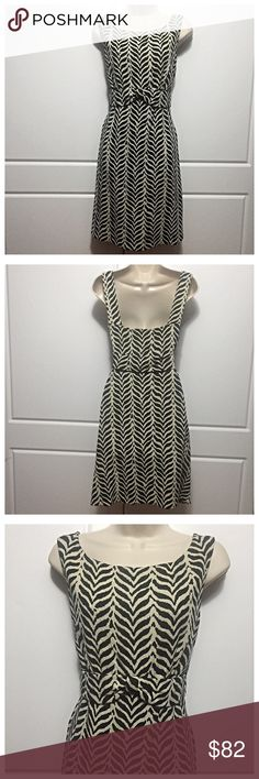 """DVF Black & White Jacquard Boyd Dress Beautiful dress that can go from casual to cocktail, depending on your accessories. Empire waist with bow style detail in front. Great zebra print. In excellent condition! 100% cotton with 100% bamboo lining. Very soft! Know your size in DVF or use measurements as DVF runs small. Measurements, lying flat, are: bust 16.5"""", waist 15"""", hips 20"""", length 36"""". Diane von Furstenberg Dresses"""