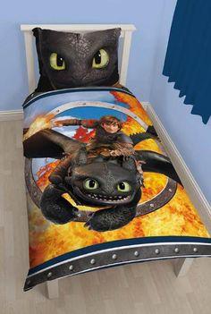 Funda nórdica reversible Como entrenar a tu Dragón 2 Preciosa funda nórdica reversible con la imagen de Furia Nocturna basado en la segunda entrega de la película de animación Como Entrenar a tu Dragón.