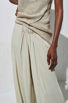 Wide leg pant in white sand