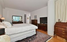 Perfect for INVESTOR, condo is rented for $7k per month. Buyer must honor lease expiring September 30, 2017. Amazing 3 bed 2.5 bath w/panoramic views of the NYC skyline in Jersey City's premier building 77 Hudson. 77 Hudson's curtain glass wall allows uno