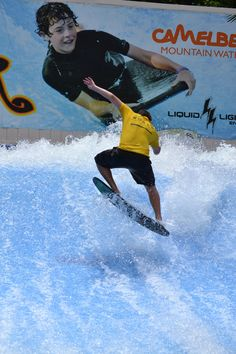 Flow Rider surfing fun waits for you at Camelbeach! Ride the waves on boogie board or flowboard as you take on the FlowRider! Wakeboarding, Extreme Sports, Snowboarding, Skateboard, Flow, Surfing, Paradise, Waves, Tours