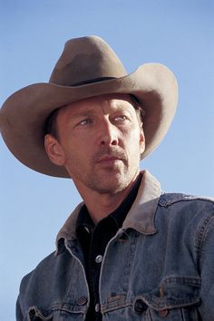 Hank Chandler (Andrew McCarthy) Nico Mirallegro, Yellowstone Series, Louis Hofmann, Cowboy Up, Cowboy Hats, Luke Grimes, America's Most Wanted, Andrew Mccarthy, Eddie Izzard