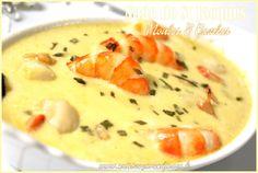 Nage pour 2 personnes -10 coquilles Saint-Jacques -5 Gambas cuites -10 moules -2 échalotes -1 cuillère à soupe d'huile d'olive -2 gousses d'ail écrasées -1 petit bouquet garni