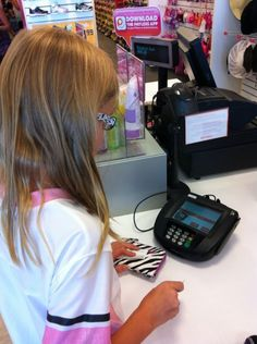 6 Things You Should Stop Paying For If You Give Your Kids An Allowance! Here are 6 things you should stop paying for to begin teaching financial responsibility. Chores And Allowance, Allowance For Kids, Parenting Done Right, Parenting Advice, Kids And Parenting, Chores For Kids, Activities For Kids, Music Activities, Raising Kids