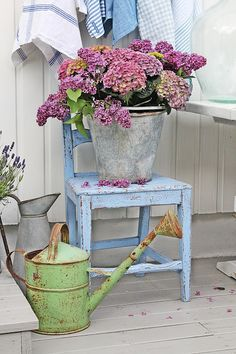 Lovely hydrangeas in a zinc bucket / VIBEKE DESIGN