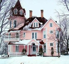 And here is my pink Victorian house.not sure where my hubs will live, I know he won't like my pink house. Pink Houses, Old Houses, Dream Houses, Future House, My House, Castle House, Soho House, Girl House, Victorian Architecture