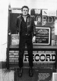 """""""Joe Strummer, New York, 1978 'Not just heart of The Clash but the heart of punk itself'"""" Joe Strummer, The Clash, Robert Doisneau, New Wave, Rock And Roll, Mode Rock, Le Choc, Into The Fire, One Ok Rock"""