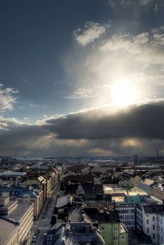 Einen Wahnsinnsblick über die Dächer von #Helsinki habt ihr von der Dachterrasse des Hotel Torni #hoteltorni
