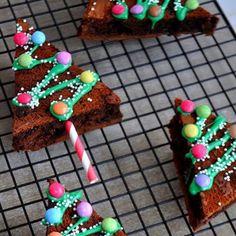 Tannenkuchen Pop 3 eggs 150 g sugar 150 g dark chocolate 100 g chocolate . - Fitness GYM- Tannenkuchen Pop 3 Eier 150 g Zucker 150 g dunkle Schokolade 100 g Schokolade …. – Fitness GYM Fir Cakes pop 3 eggs 150 g sugar 150 g dark … - Christmas Cake Pops, Christmas Desserts, Simple Christmas, Christmas Cookies, Christmas Crafts, Christmas Brownies, Christmas Tree, Cookies Et Biscuits, Cake Cookies