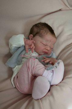 Resultado de imagem para reborn baby girl for sale Reborn Baby Boy, Reborn Babypuppen, Reborn Toddler Dolls, Newborn Baby Dolls, Reborn Dolls, Reborn Nursery, The Babys, Silicone Reborn Babies, Silicone Baby Dolls