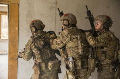 Green Berets with 1st Battalion, 10th Special Forces Group (Airborne), conducting a Special Forces Advanced Urban Combat (SFAUC) training exercise near Stuttgart, Germany, Nov., 2017. (U.S. Army photo by Spc. Christopher Stevenson)