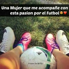 gotta take a pic like this with mi amor Bff Birthday Gift, Soccer Boys, Lionel Messi, Sport Girl, Real Madrid, Harley Quinn, High Top Sneakers, Barcelona, Boyfriend