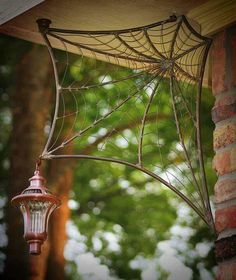 Spider Web corners how lovely for the front porch.