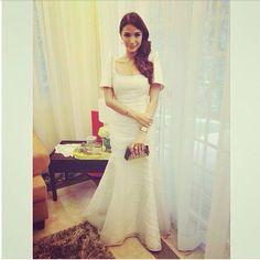 I'm liking the subtle flare of the dress. Mob Dresses, Grad Dresses, Dress Outfits, Wedding Dresses, Modern Filipiniana Gown, Filipiniana Wedding, Philippines Dress, Filipino Wedding, Wedding Looks