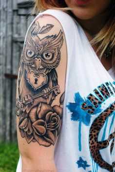 love the mixed symbolism of the owl and the locked heart!!! #owl #tattoo